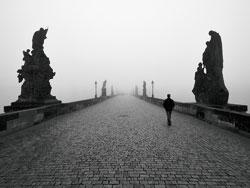 Karlův most v mlze 2