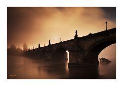 fotografie Východ slunce u Karlova mostu