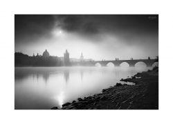 fotografie Sluncem nad Karlový mostem